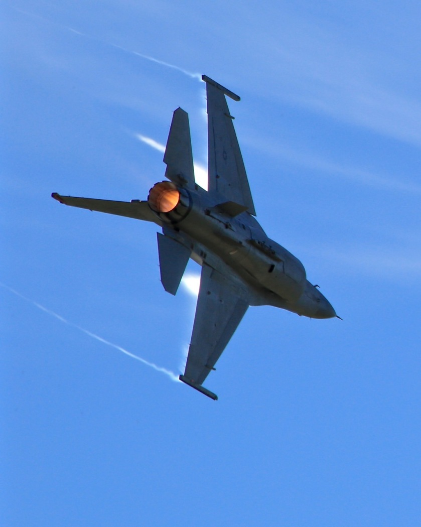 F16 fighter at Warbirds Over Wanaka Airshow