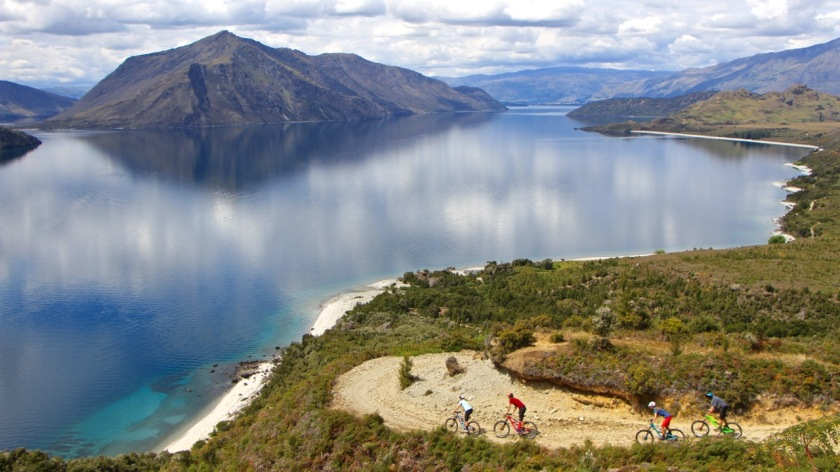 Mountain bikers, Lake Wanaka, New Zealand