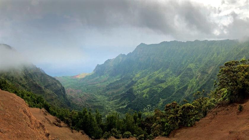 Coastal cliffs of the Napali Coast State Wilderness Park, Kauai, Hawaii