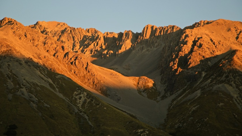 Sunset over the mountains of the Southern Alps, New Zealand